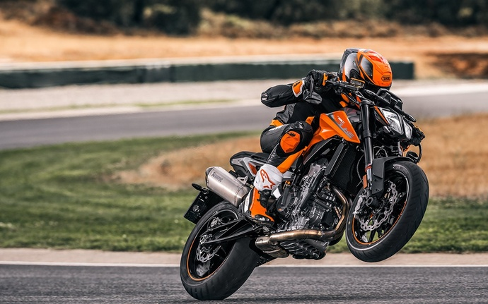 "KTM Duke 790 ""The Scalpel"""